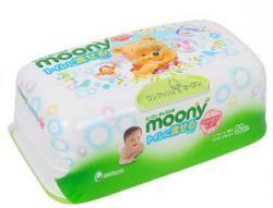 Муни салфетки влажные гигиенические для детей пластиковый контейнер 50шт  — 280р.  Влажныегигиеническиесалфетки для детей Moony 50 шт в пластиковом контейнере - изготовлены из мягкой, пористой микрофибры, очень приятной к нежной коже малыша.     Салфеточки абсолютно безопасны не токсичны, не вызывают аллергических реакций.     Они отлично впитывают лишнюю влагу и очищают кожу ребенка. Вы оцените их качество во время путешествий и прогулок, смены подгузников и после горшка для деток…