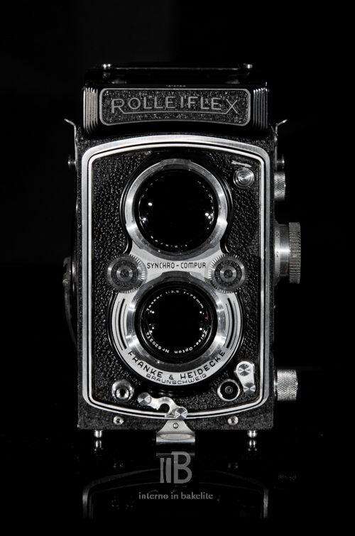 La seconda Rolleiflex non si scorda mai, per questo dopo l'elogio alla T ecco quello alla versione Automat. Ormai sono convinto che le biottiche Rollei siano il punto più alto nell'estetica della p...