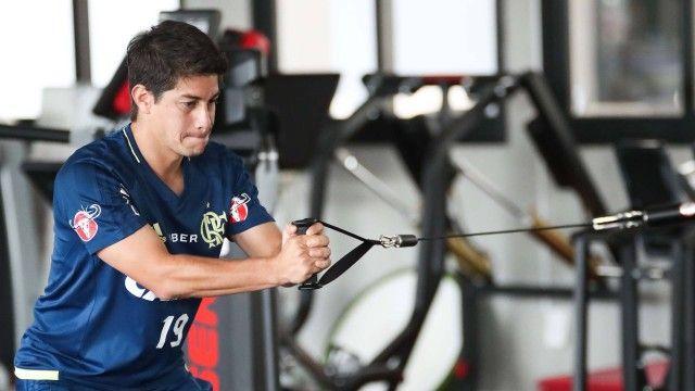 Fora de jogo do Fla na Sul-Americana Conca ficou no Rio para aprimorar a forma física