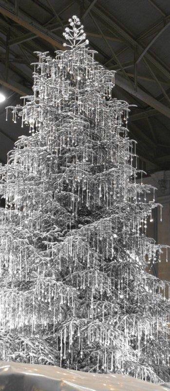 Swarovski Crystal Tree                                                                                                                                                                                 Más