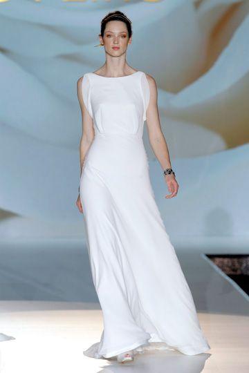 9 best Jesus Peiro images on Pinterest | Wedding frocks, Homecoming ...