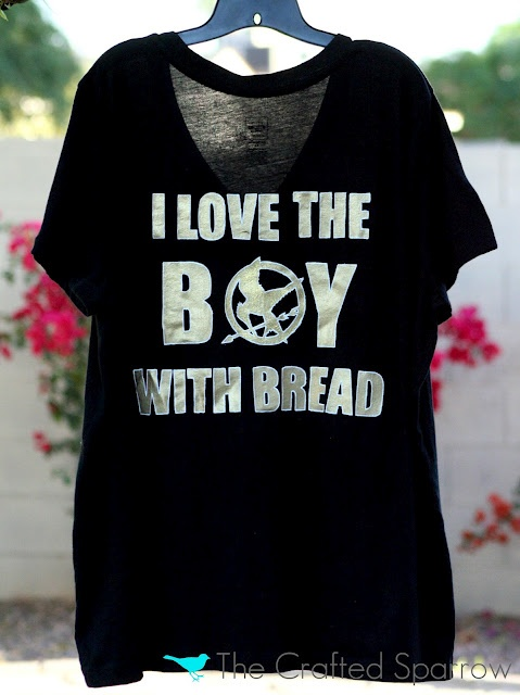 DIY Hunger Games tshirt. I would love to try this instead of paying a fortune for them at places like HotTopic!
