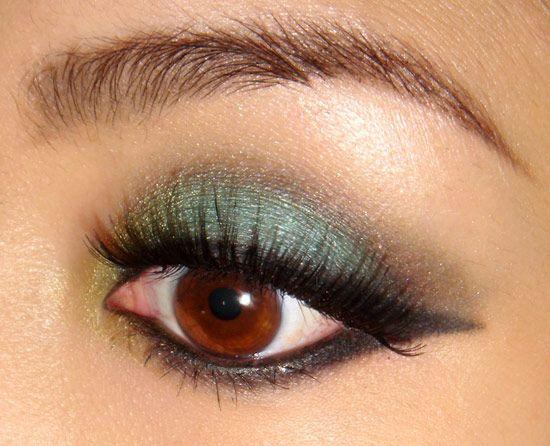 Turquoise smoky eye