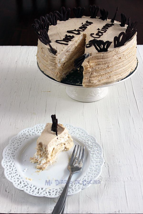 Torta de merengue lúcuma