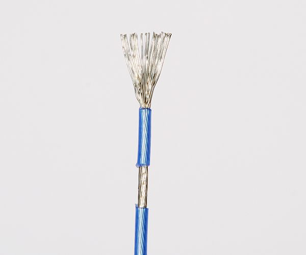 Low Temperature Cable   Normally cables with conventional insulation become stiff and brittle in intense cold, which can be problematic especially in places such as  -50℃ environment . To address this problem, Sanewcable has manufactured Low Temperature Cable, featuring special materials that enables the cable to stay flexible at low temperatures.  http://www.wiresandcablechina.com/4-low-temperature-cable.html