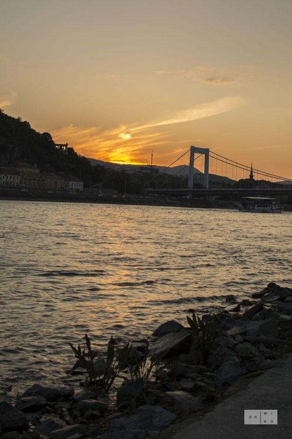 Sunset over Danube Zachod slonca nad Dunajem