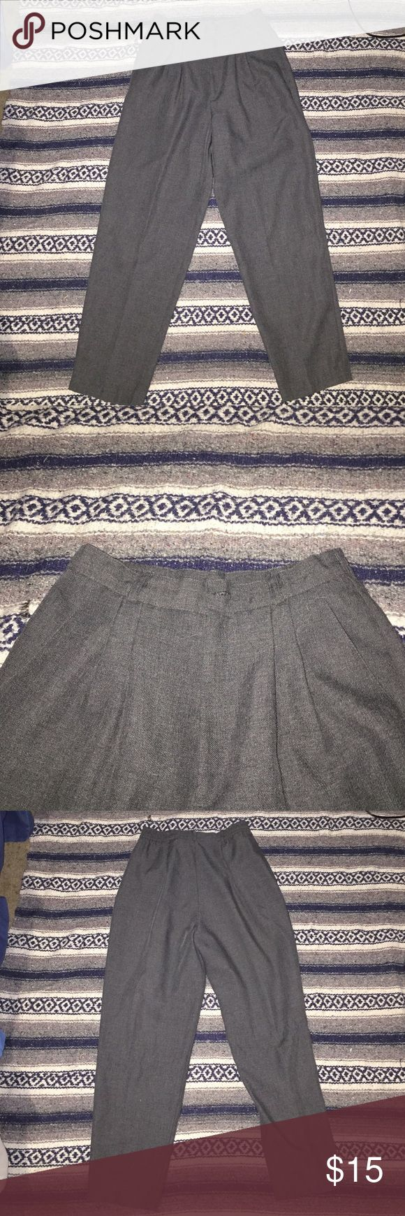 Women's business pants Women's grey business pants petite . In great condition with a sinched waist . briggs Pants Trousers
