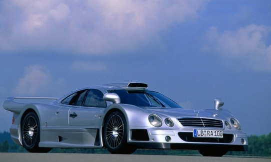Mercedes CLK GTR , Price $1.55 Million, Features,Luxury factor, Engine, Review,Top Speed 198 mph, Mileage and Interiors