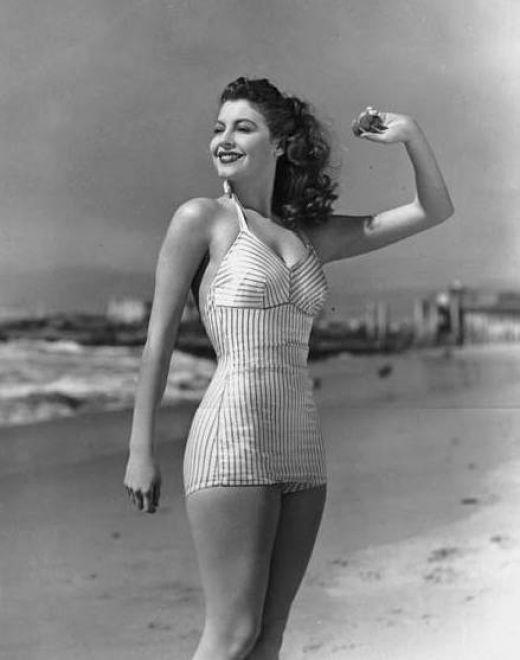 Ava Gardner en bikiniConcurso, pon un pañuelo en tu look