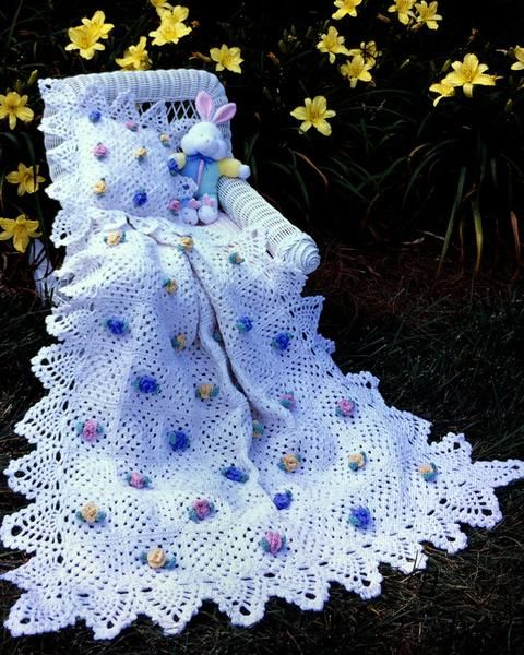 Picture of Pineapple Rose Blossoms Afghan &  Pillow Set Crochet Pattern