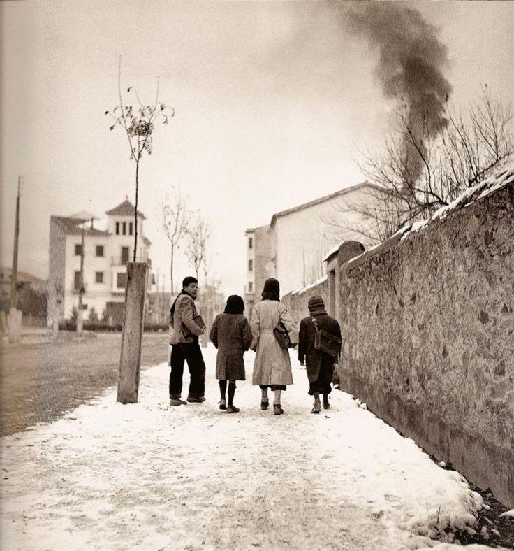 Neighborhood in Madrid, Spain, 1950s / Photo by Francesc Català-Roca