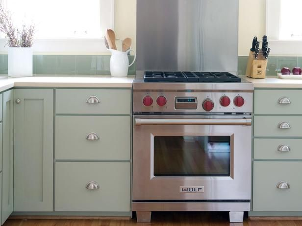 Cheap Versus Steep: Kitchen Appliances : Kitchen Remodeling : HGTV Remodels Steep: Professional-Grade Range  For serious cooks, chef-grade ranges are worth the extra cost. Gas ranges are the most popular choice for gourmet cooks, but induction cooktops are growing in popularity. Professional ranges are sometimes equipped with extra features like griddle burners and pot fillers.