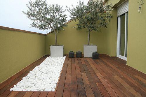 Decoración Minimalista y Contemporánea: Decoración de terrazas y patios pequeños