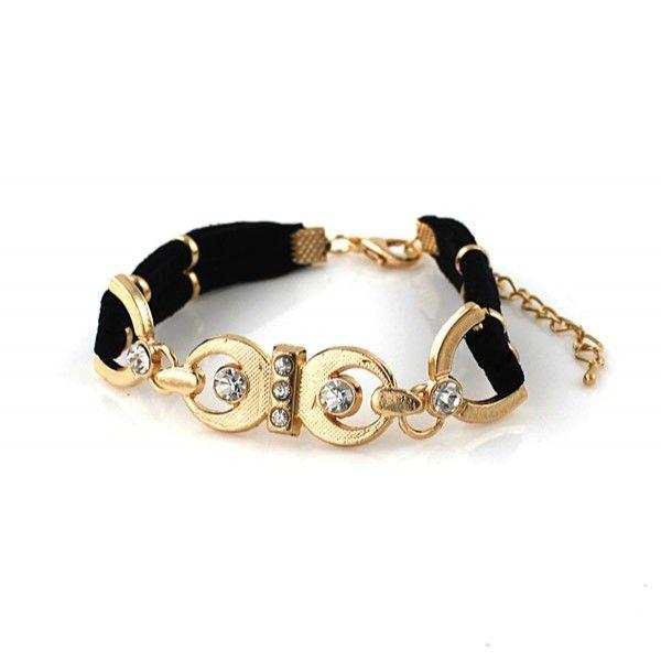 #armband #armbandje #zwart #goudkleurig #strass Zwart met goudkleurige armband met goudkleurige accenten en verstelbare karabijnsluiting van 19-23 cm.Kleur: Zwart, Goud. www.damestic.nl / www.facebook.com/DamesTic