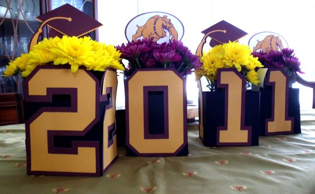 Boxes with class year numbers-centerpiece