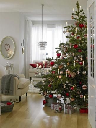 Schön geschmückter Weihnachtsbaum