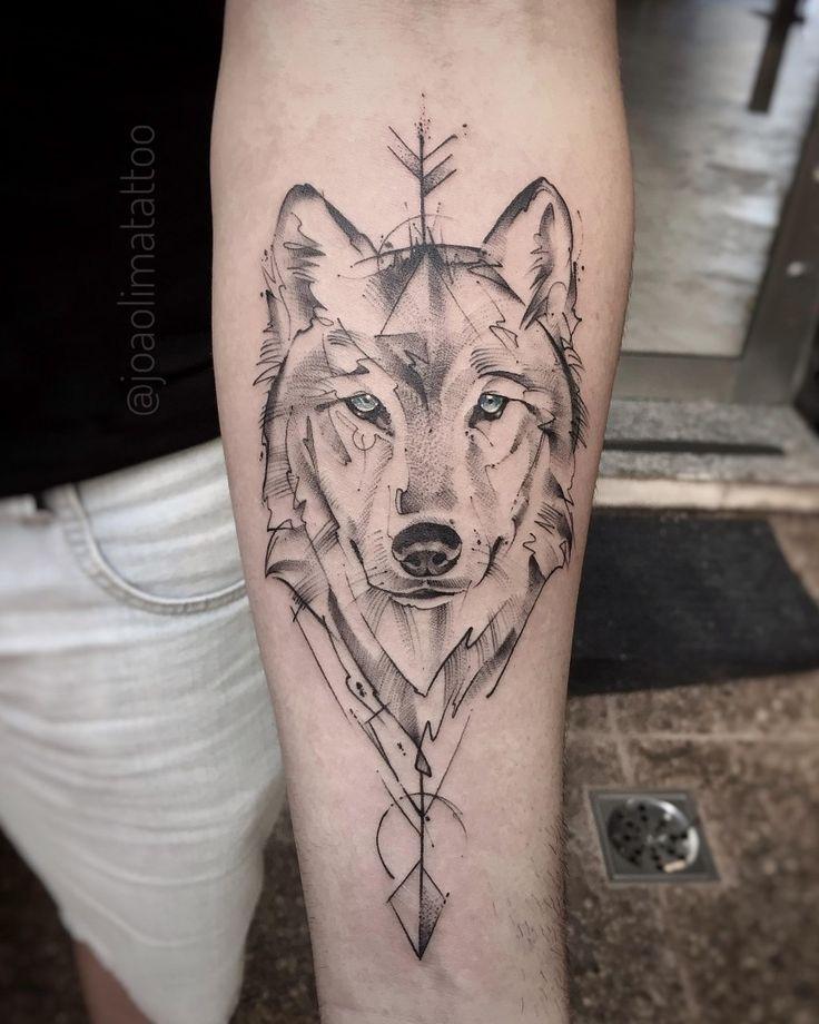 "481 Likes, 14 Comments - João Lima (@joaolimatattoo) on Instagram: ""Lobo com Flecha  #TatuagemLobo #Lobo #Arrow #WolfTattoo #Tattoo2Me #TatuagemMasculina…"""