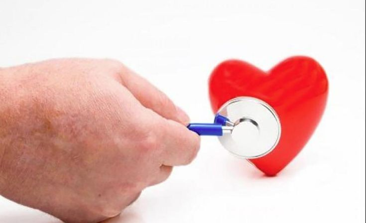 """Dacă sunteți preocupați de hipertensiunea arterială și de nivelul de colesterol, ar trebui să luați în calcul și monitorizarea trigliceridelor. Ba chiar ar trebui să faceți o prioritate din asta. Ultimele studii arată că nivelul ridicat al colesterolului nu este în mod obligatoriu asociat problemelor cardiace sau de circulație, în schimb trigliceridele scăpate de sub control sunt. Practic, acestea sunt grăsimile din sânge formate de excedentul de calorii care nu sunt """"arse"""" imediat, fapt…"""
