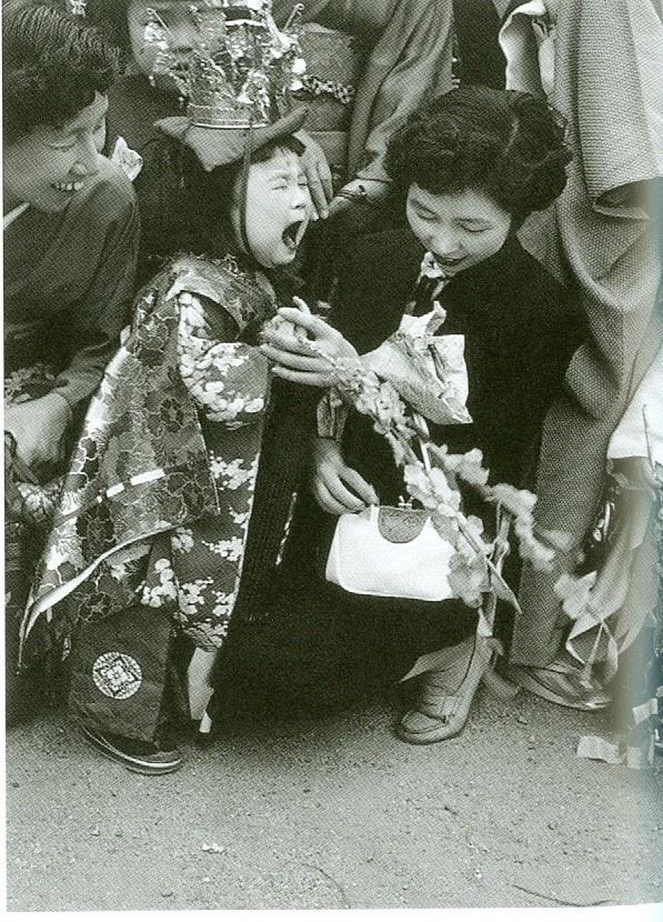 """Robert Capa - """"3 Weeks in Japan"""" (5)"""
