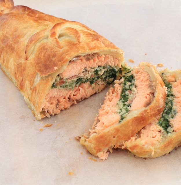 On dine chez Nanou | Saumon Wellington en croute de pâte feuilletée |    Cette recette est anglaise , super pratique pour les fêtes car elle peut être réalisée la veille ...
