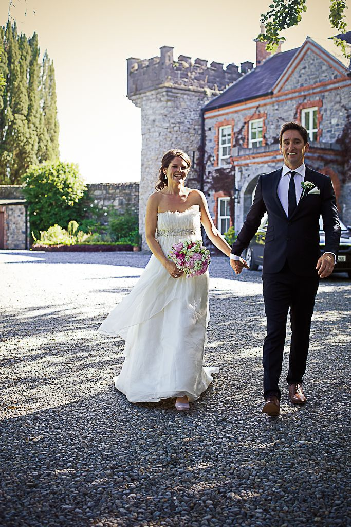 Bride & Groom arriving to the house