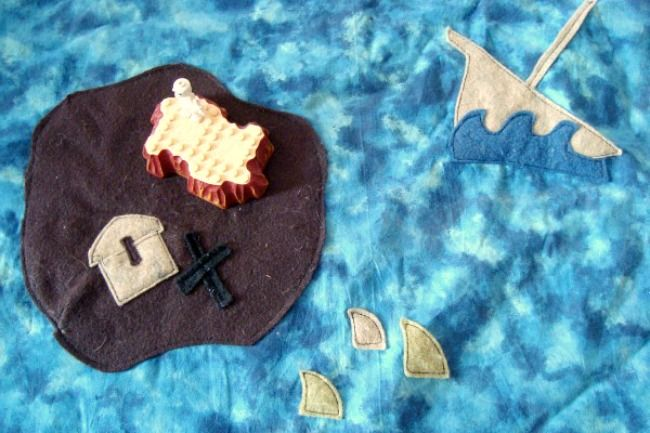 I LOVE this DIY Play mat set for kids.  I want to make an Octonauts one!
