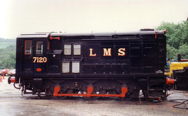 """LMS Class 11 No 7120 (AD601) - uilt by the LMSR (London, Midland and Scottish Railway), locomotive number 7120 was one of a batch of 30 locomotives constructed at their Derby works between 1945 and 1948. Powered by a 350hp English Electric 6KT 4-stroke diesel engine, this design of locomotive is actually a """"diesel-electric"""", as the wheels are connected by two axle-hung, nose-suspended, 430V traction motors driven from a generator connected to the engine., L&HR"""