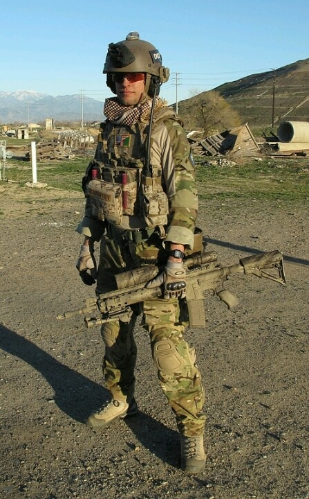 Military hobby blog: http://zimhangmen.tumblr.com/.