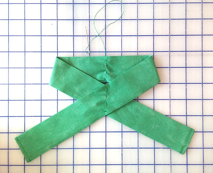 The Shabby: How to Make a Fabric Bow | Tutorial                                                                                                                                                      More