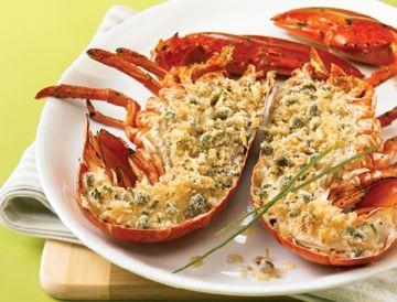 Homard grillé et chapelure au citron et à la ciboulette | Recettes IGA | Barbecue, Fruit de mer, Recette rapide