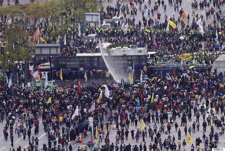 주말 세월호 집회, 시민 100여명 연행(사진)