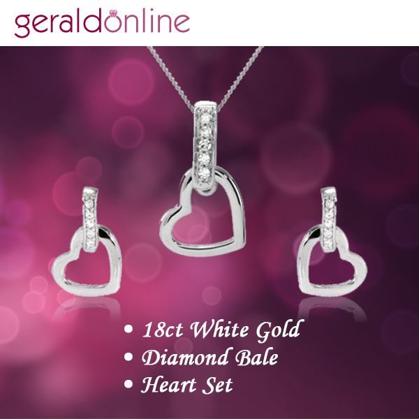 Let your heart skip a beat for this exquisite Pendant Set.