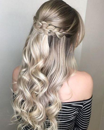 """1 400 bronzés, 6 commentaires - Charme de cheveux (@charmedecabelo) sur Instagram: """"Une coiffure délicate, romantique et pleine de charme pour inspirer"""""""