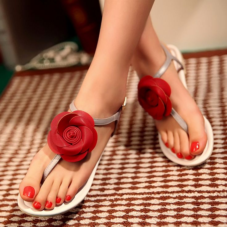 Unique Flower Sandal.......