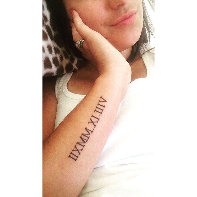 Side arm tattoo #romannumerals #armtattoo #girltattoo #tattoo