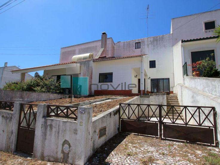 Moradia T3+1 em urbanização tranquila em Leiria  #moradia #casa #house #leiria #portugal #novilei #imoveis #imobiliaria