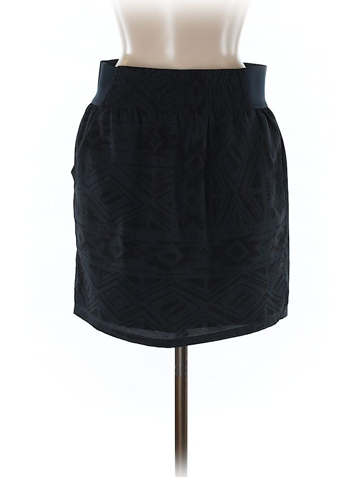 Check it out—Gap Outlet Casual Skirt for $8.99 at thredUP!