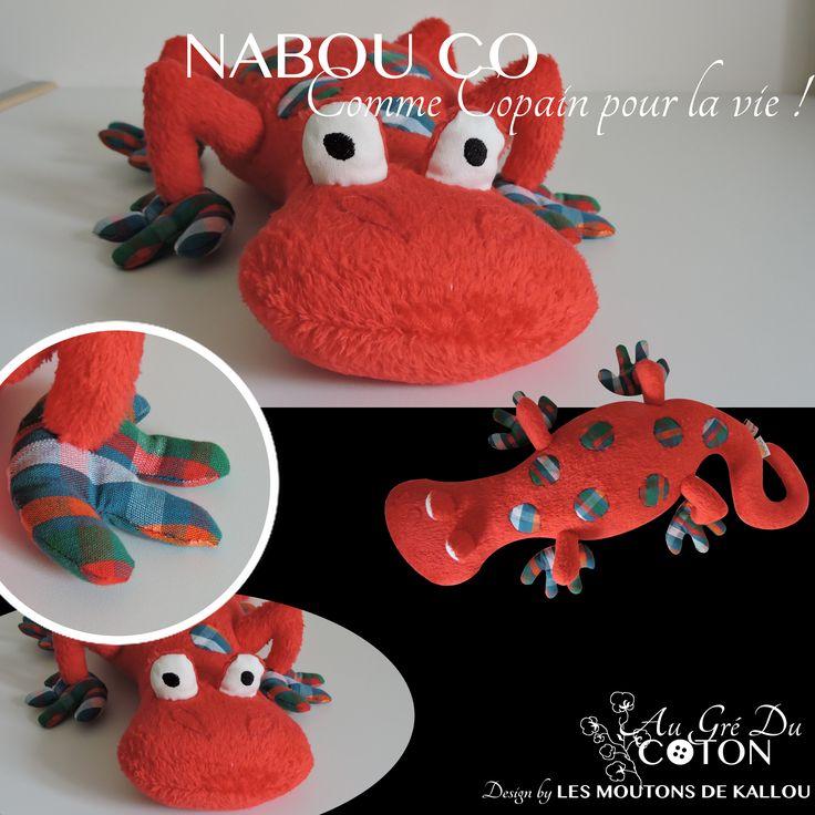 #Nabou Co adopté   Novembre 2015 Patron : Les Moutons de Kallou Tissus : Minkee rouge et coton rayé vert et rouge
