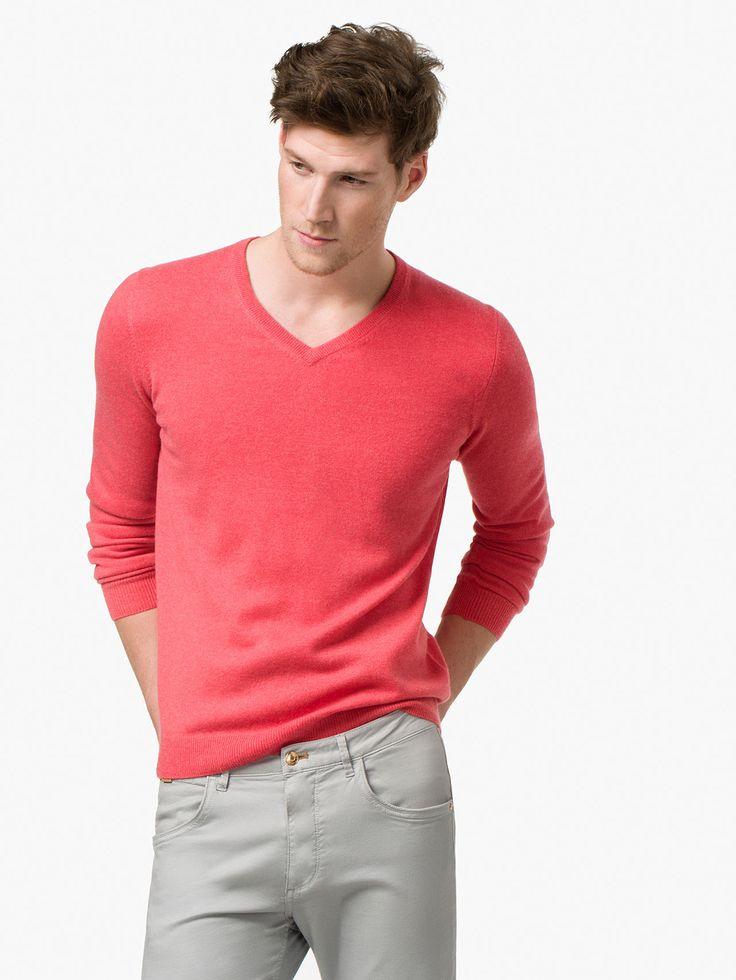 PULLOVER 100% CASHMERE Maglioncino colorato con jeans o pantaloni kaki o scuri  Colored pull over to match with kaki pants or dark jeans