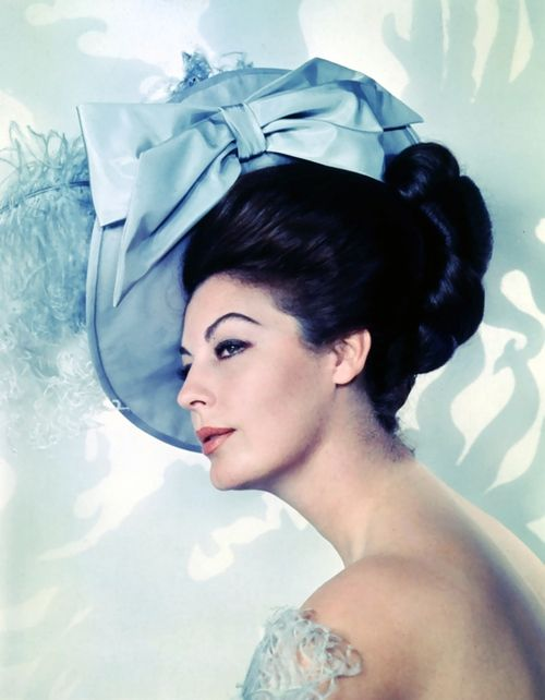 AVA GARDNER IN A TITFER.  THE HOKEY POKEY MAN AND AN INSANE HAWKER OF FISH BY CONNIE DURAND. AVAILABLE ON AMAZON KINDLE.