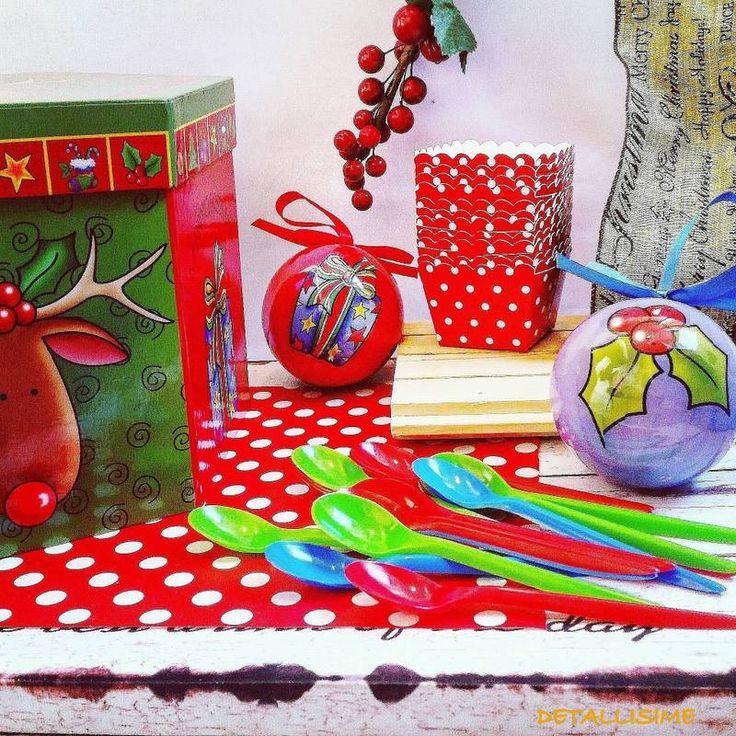 cucharas de colores perfectas para las celebraciones de la Navidad pedidos y catálogo: detallisime@yahoo.es