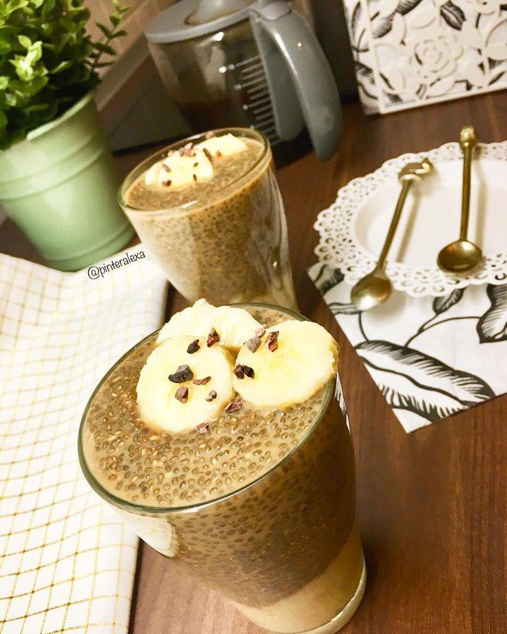 Mandulás-mangós és kávés chia pudingok