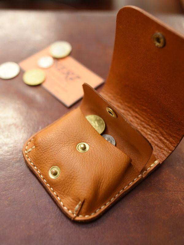 二つ折りの小型財布 オープン