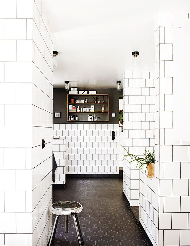 tile wall with black grout