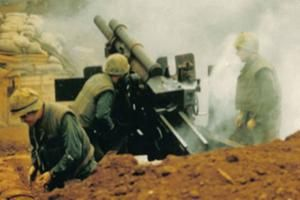 Vietnam War: Battle of Khe Sanh: US Marines fire artillery during the Battle of Khe Sanh