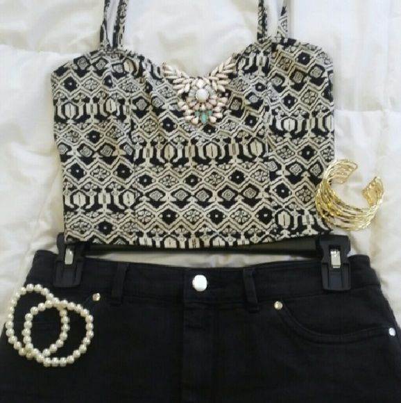 Cute Aztec Crop Top Great for summer night out!! Pair with skirt or high waisted shorts!! Super cute :) Hollister Tops Crop Tops