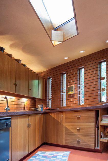 Get an inside look at frank lloyd wright 39 s john j dobkins for Frank lloyd wright kitchen ideas