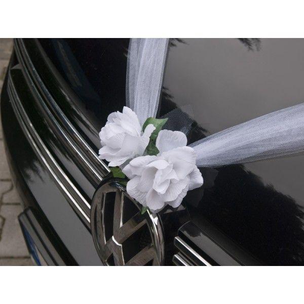 Via http://trouwen-online-shop.nl/leuke-nieuwe-dingen-voor-op-je-bruiloft/tule-slinger-met-bloemen-wit.html
