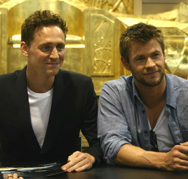Hemsworth Hiddleston SDCC 2010 4 - Chris Hemsworth - Wikipedia