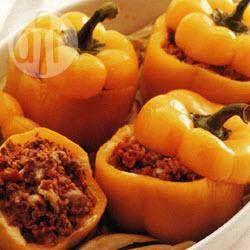Pimientos rellenos de carne y tomate @ allrecipes.com.mx